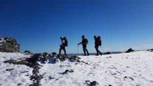 Salida práctica al Macizo de Los Gigantes por los alumnos de Trekking